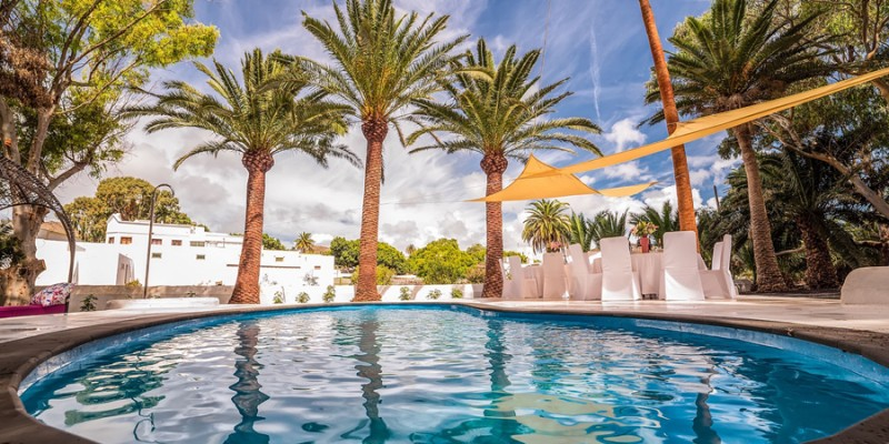 villas_lanzarote_lujo_piscina